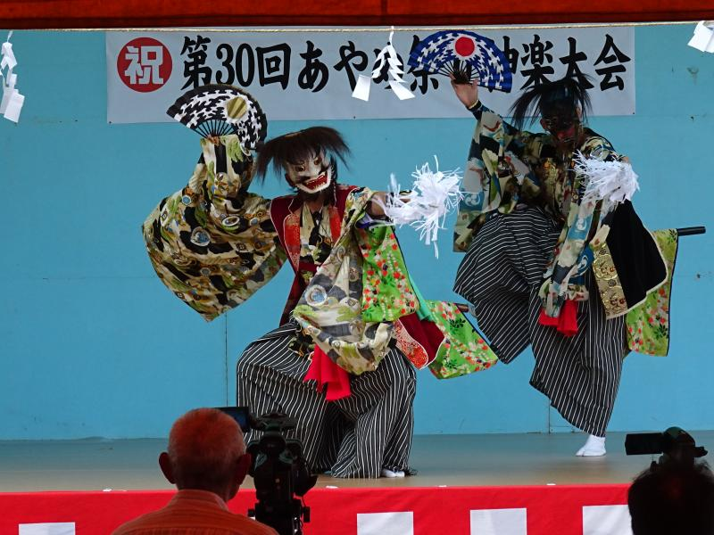 あやめ祭り神楽大会の画像